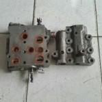 Steering Valve Komatsu D85 SS – 2